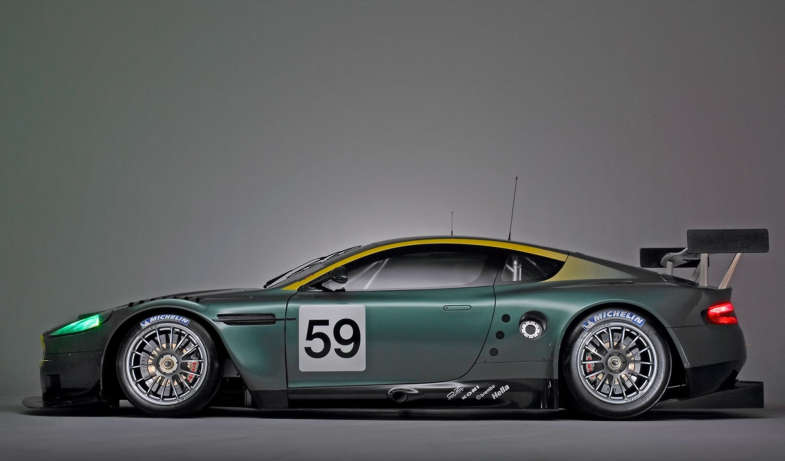 Aston Martin DBR9 HQ wallpapers