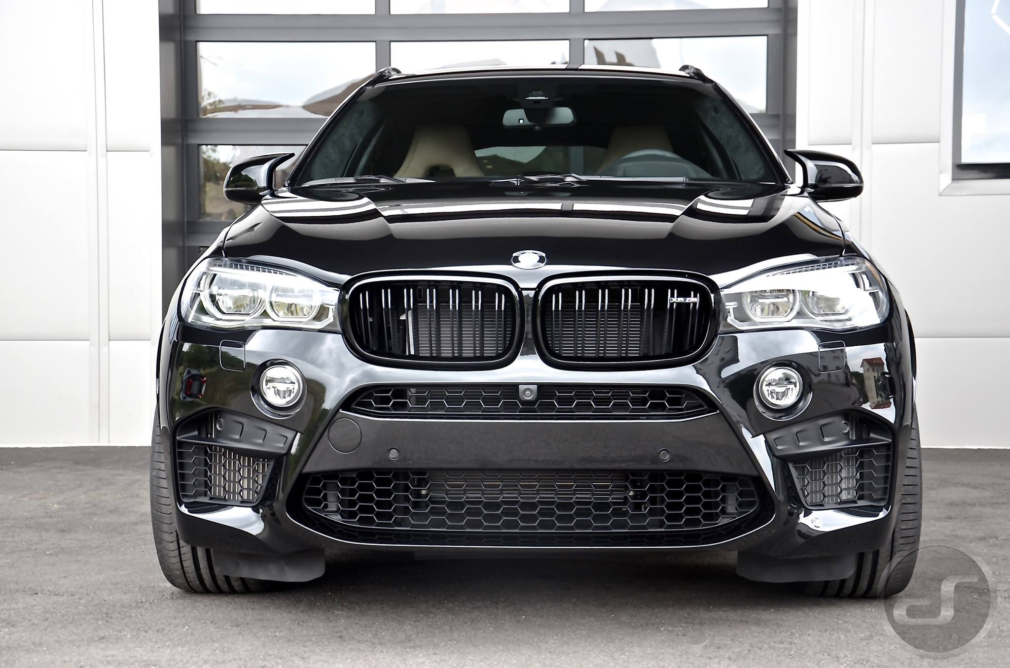 BMW X5M (F85) HQ wallpapers