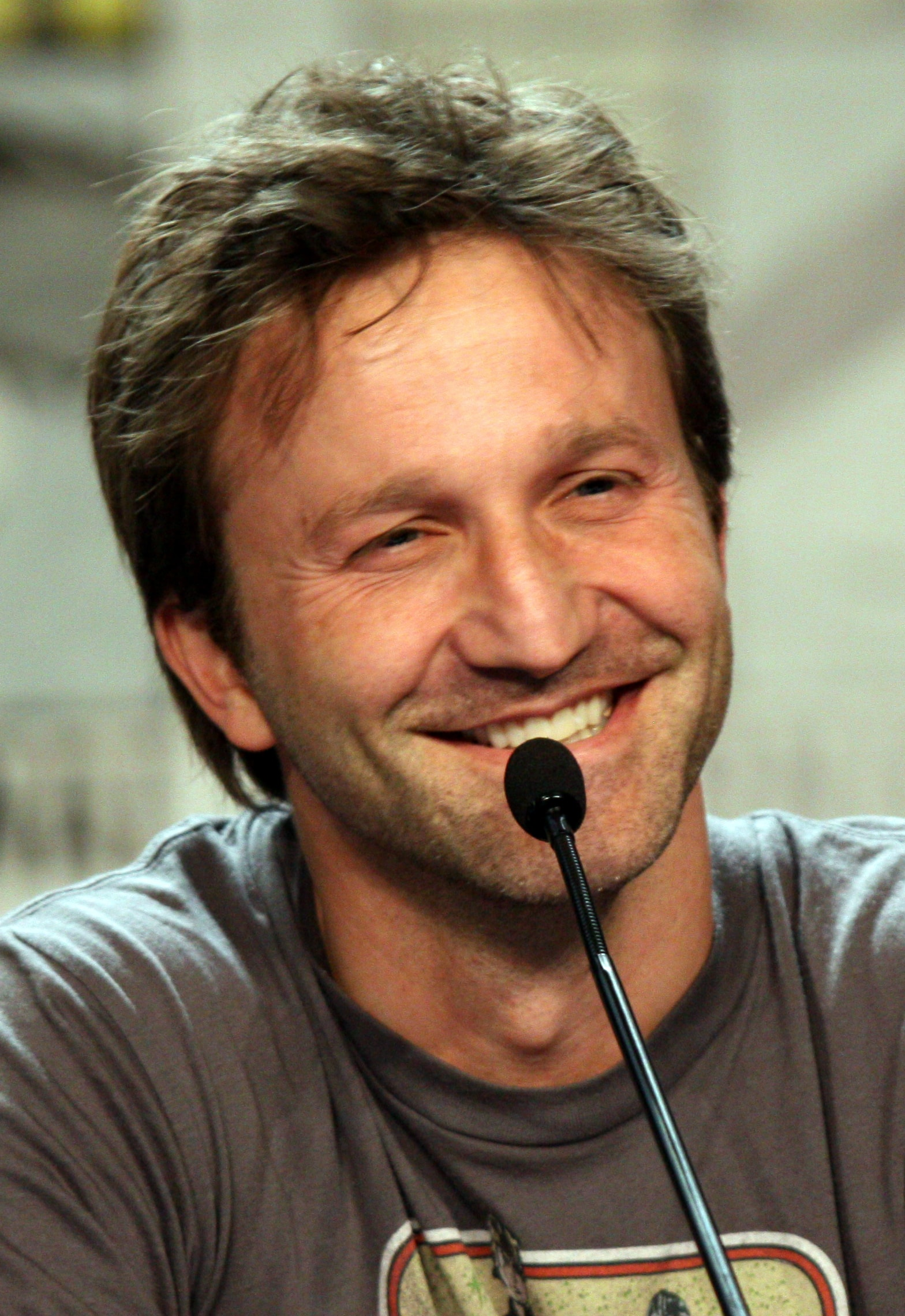 Breckin Meyer Background