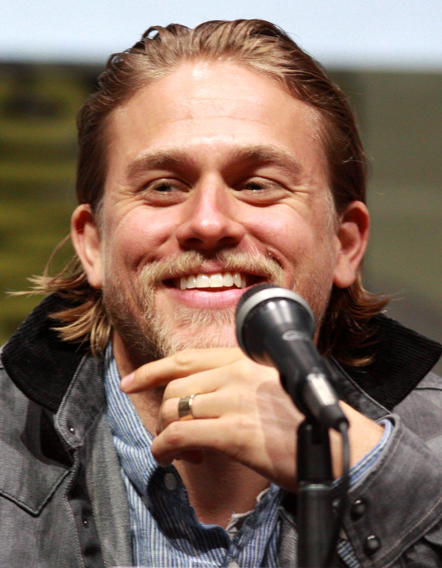Charlie Hunnam HQ wallpapers