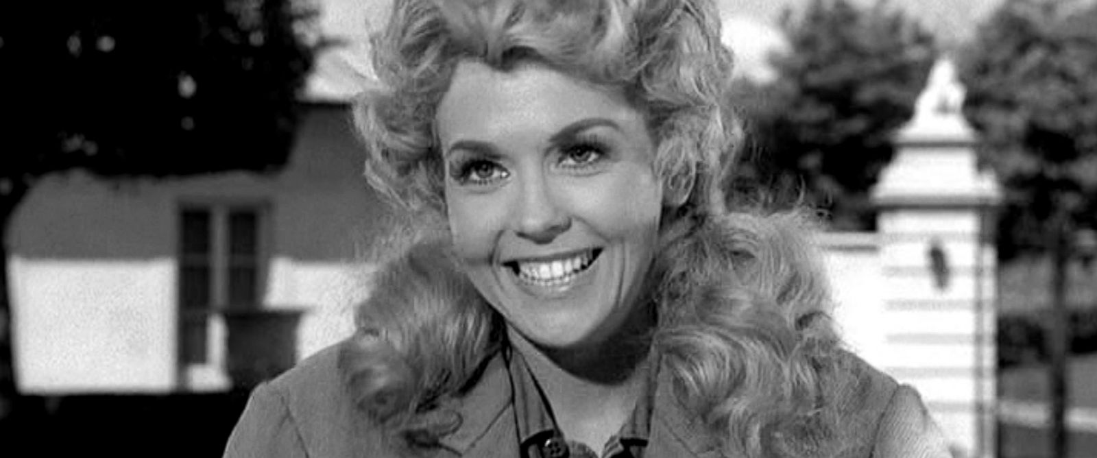 Donna Douglas HQ wallpapers