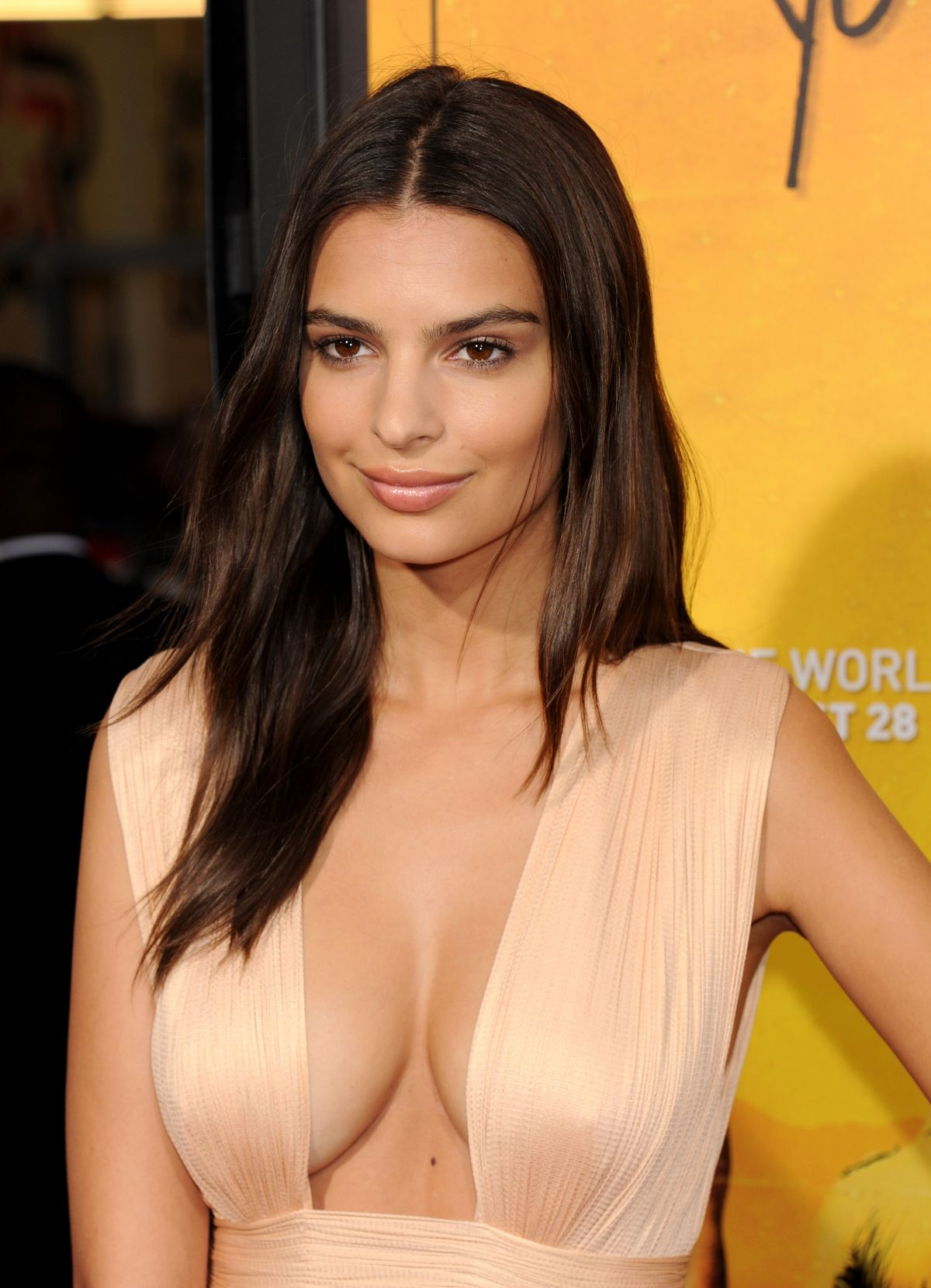Emily Ratajkowski HQ wallpapers