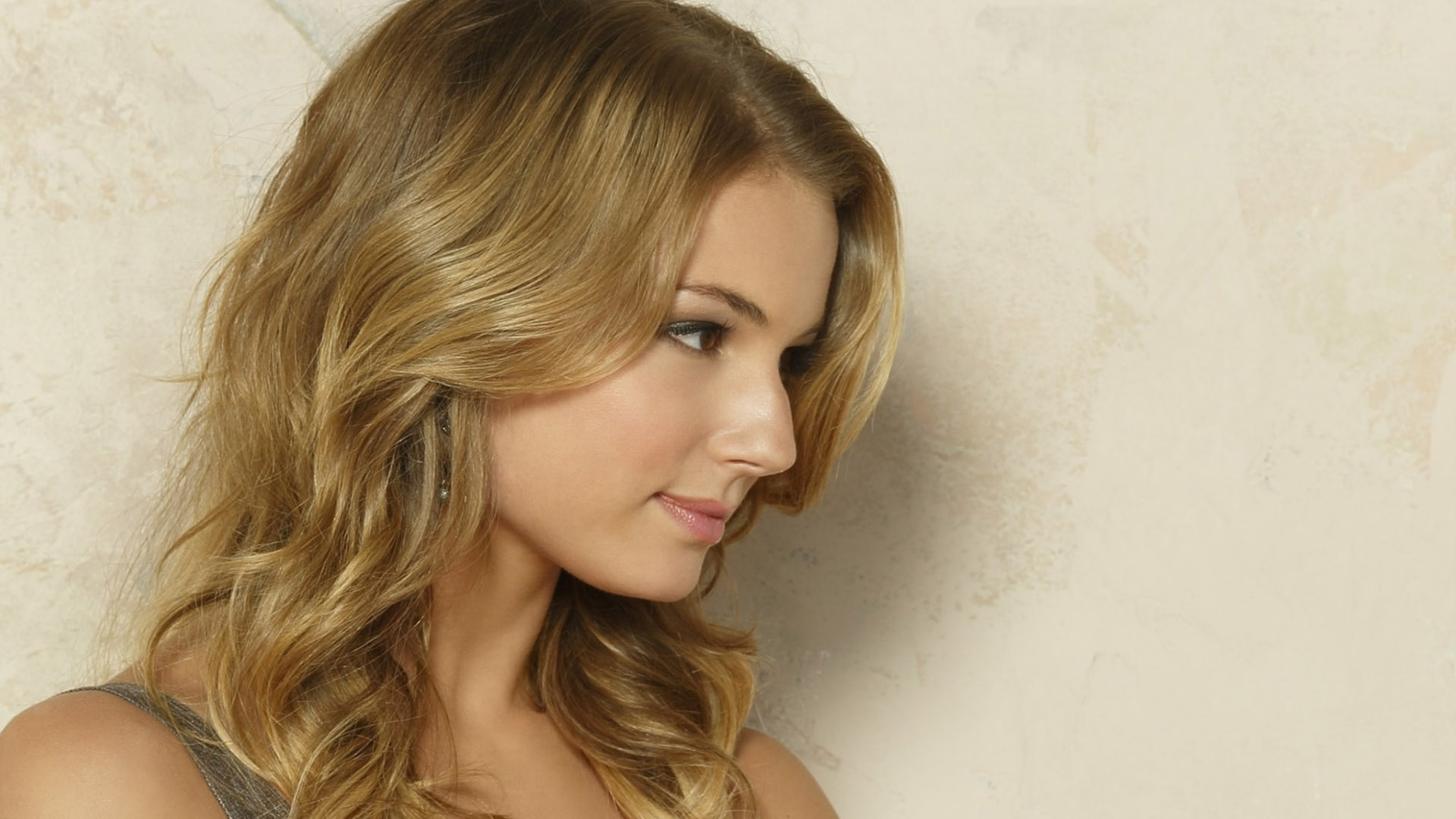 Emily Vancamp HQ wallpapers