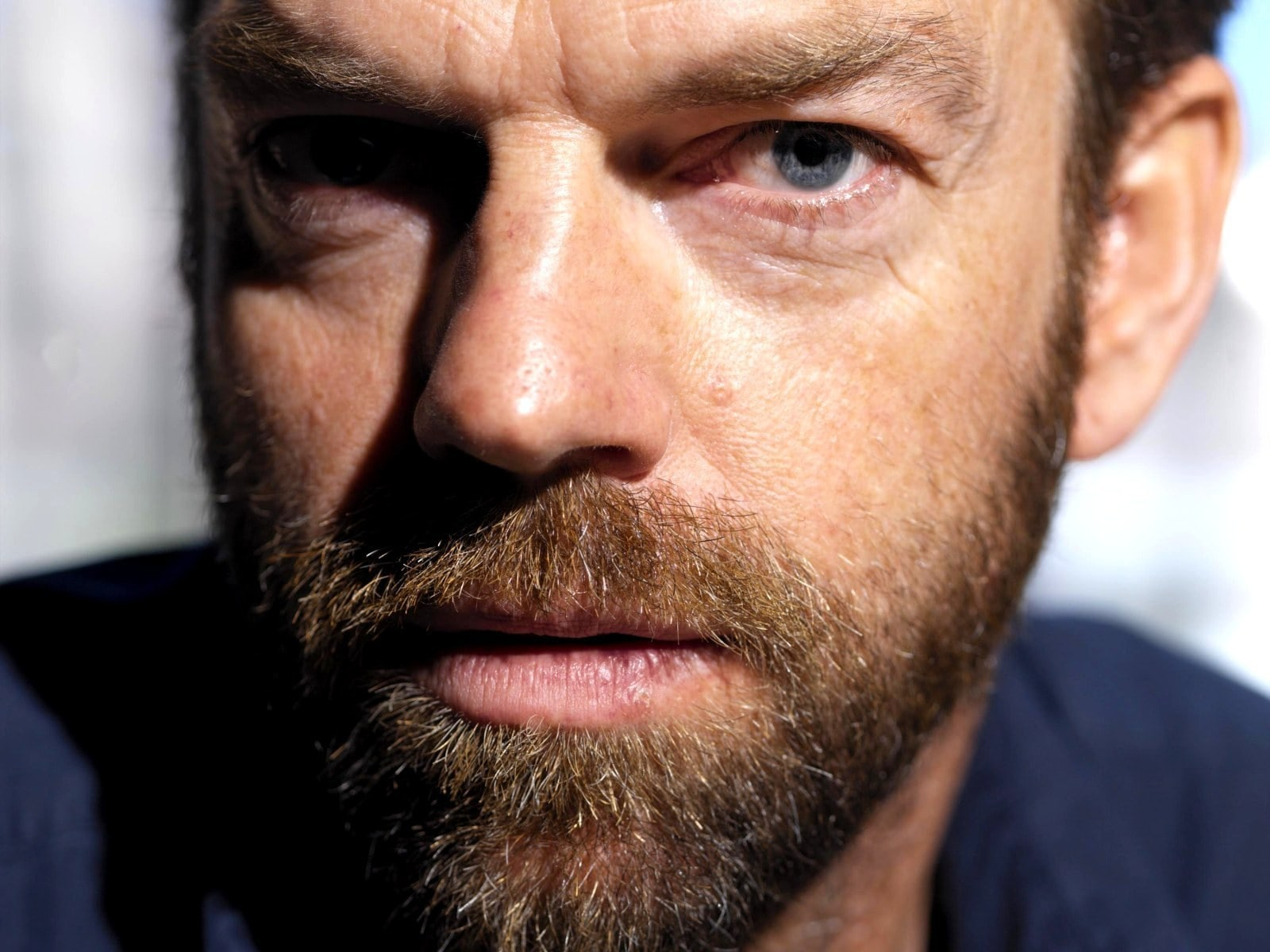 Hugo Weaving HQ wallpapers