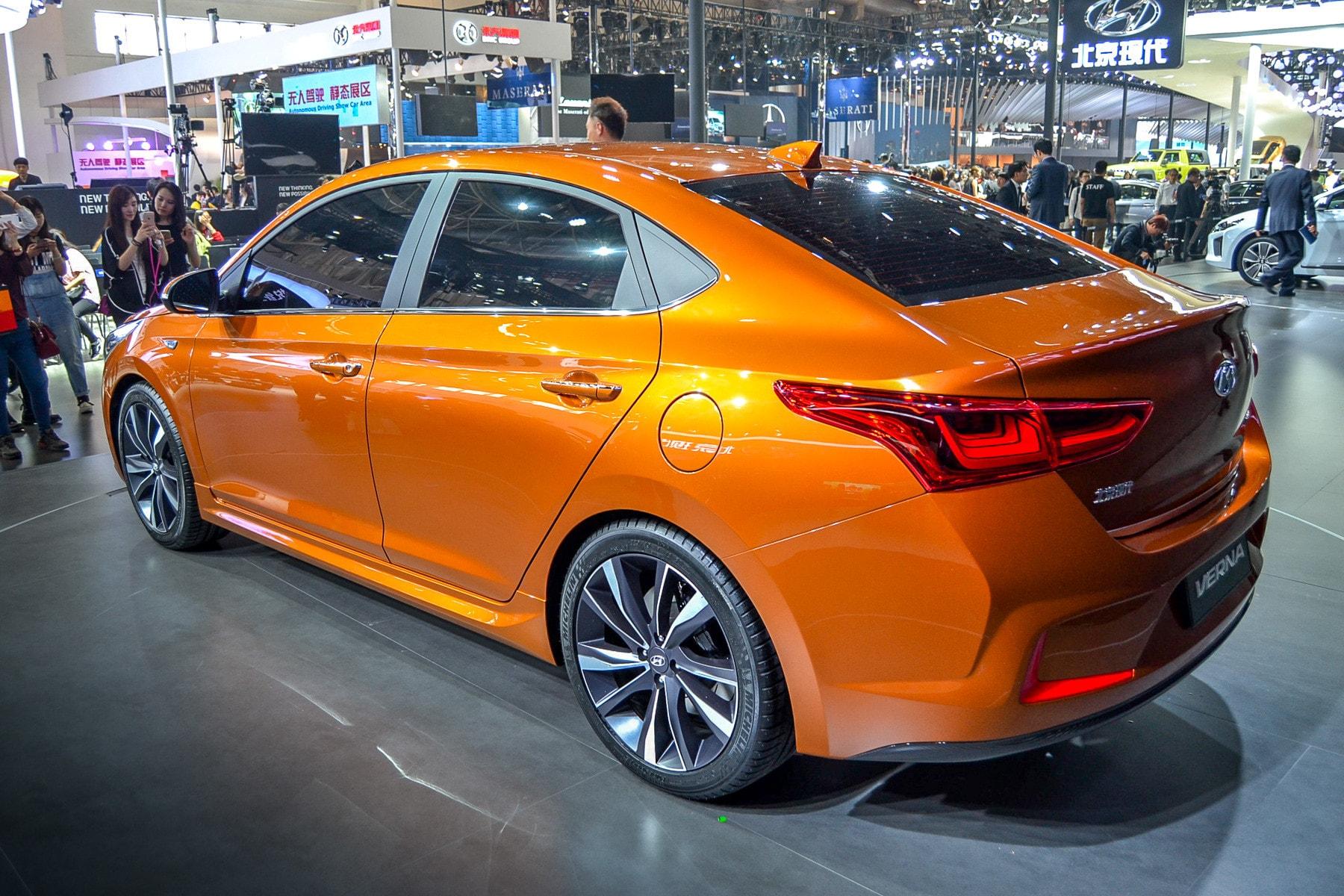 Hyundai Solaris 2 HD pics