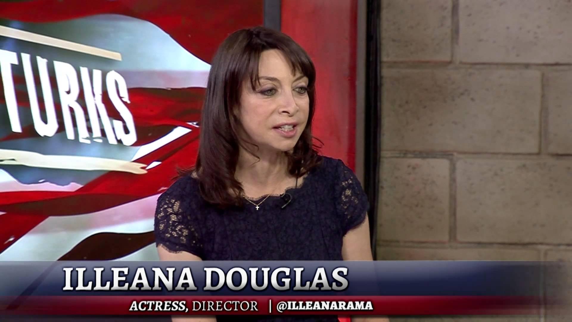 Illeana Douglas Widescreen