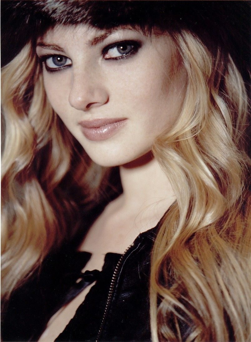 Julia Alexandratou HD pics