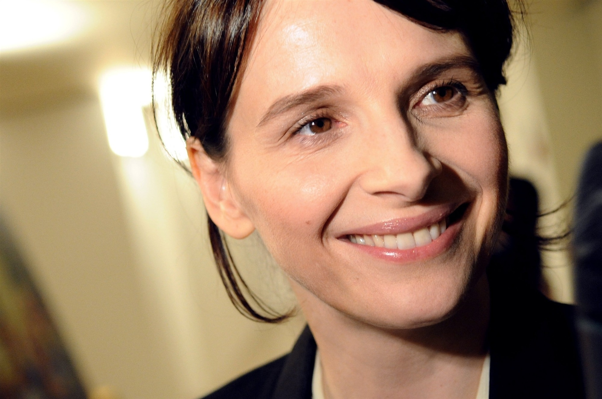 Juliette Binoche HQ wallpapers