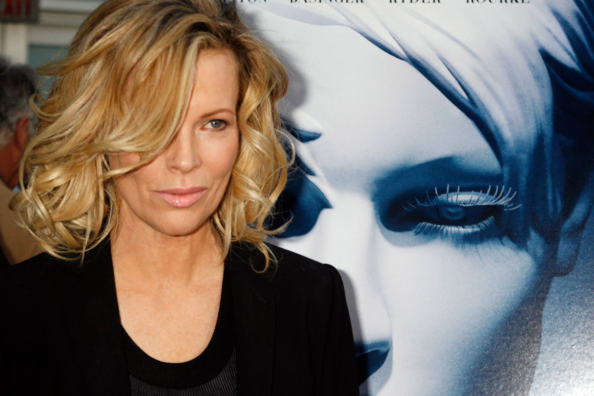 Kim Basinger HQ wallpapers