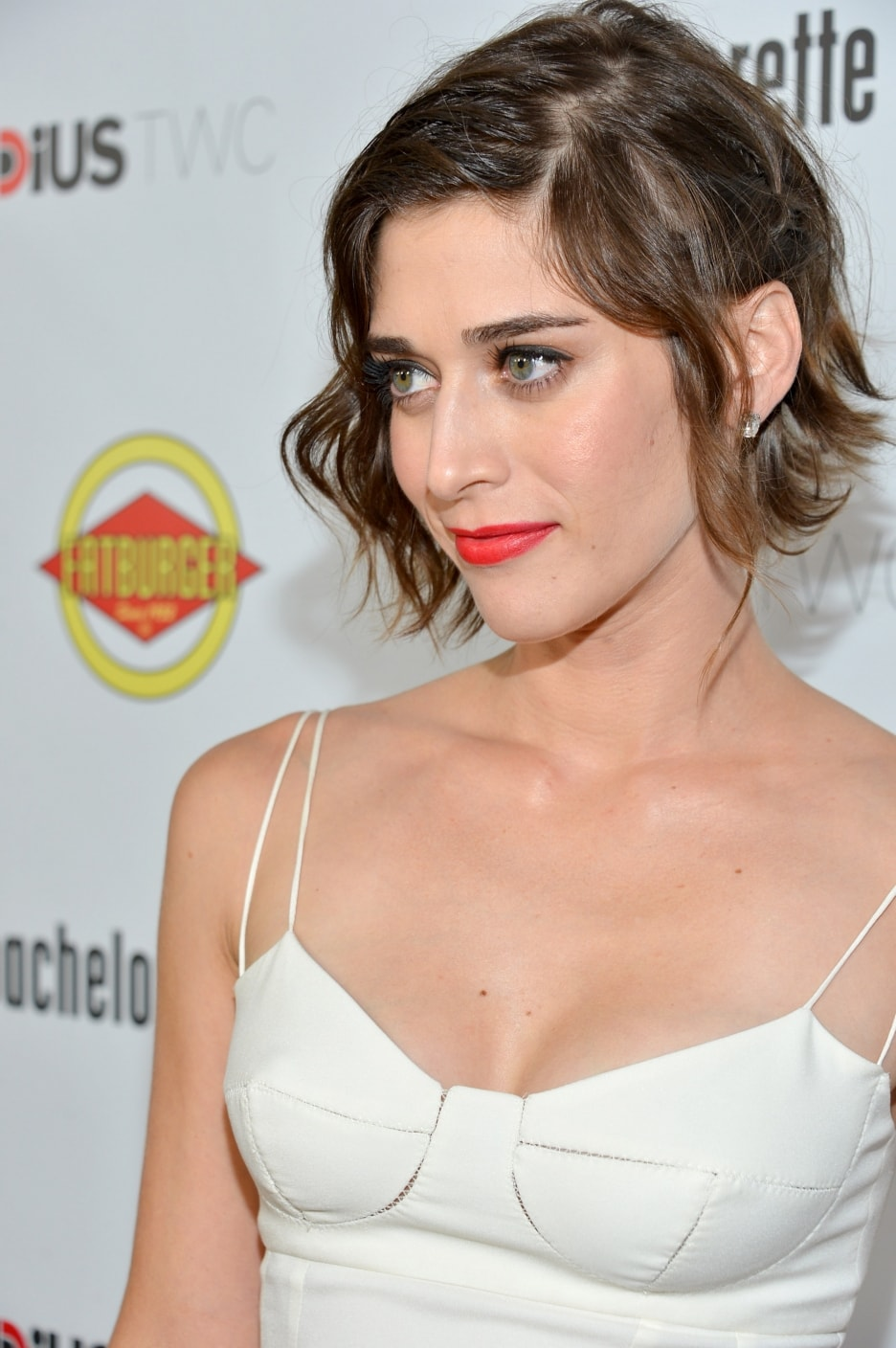 Lizzy Caplan For mobile