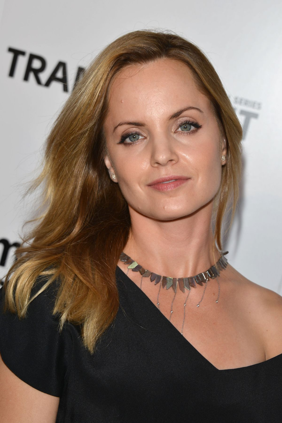 Mena Suvari HQ wallpapers
