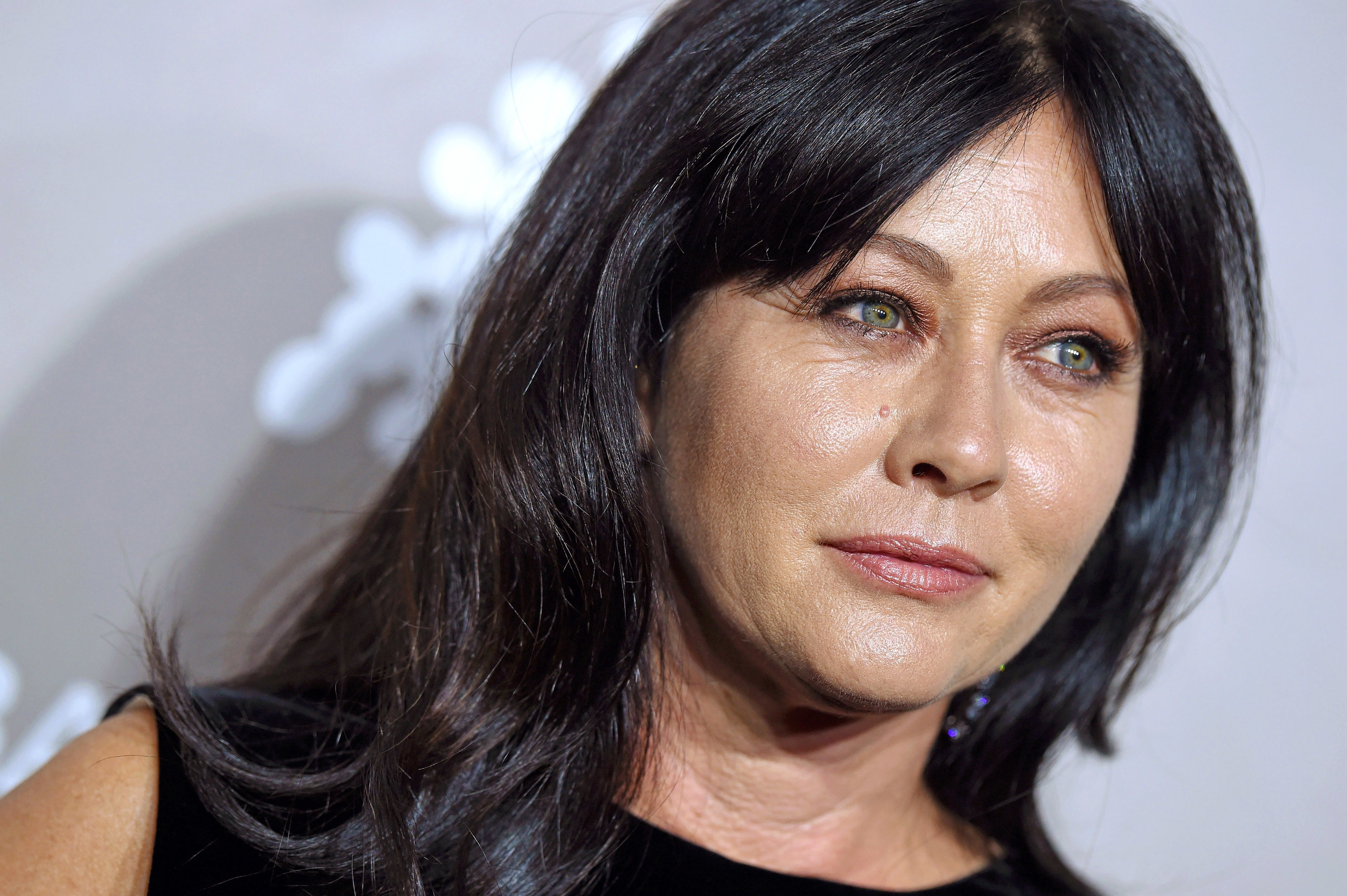 Shannen Doherty HQ wallpapers