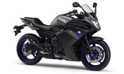 Yamaha YZF-R1 2012 HQ wallpapers