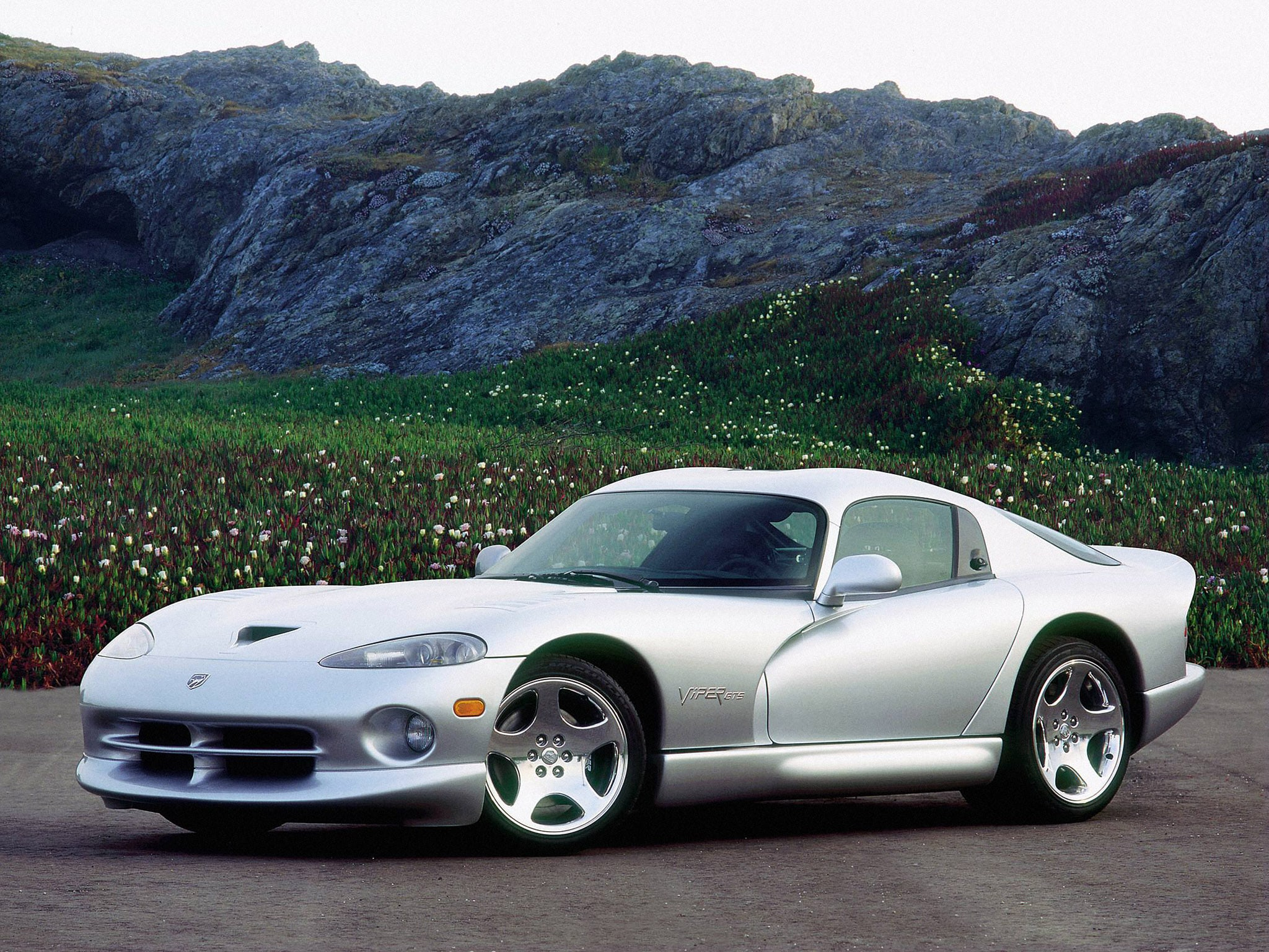 1996 Dodge Viper GTS Screensavers