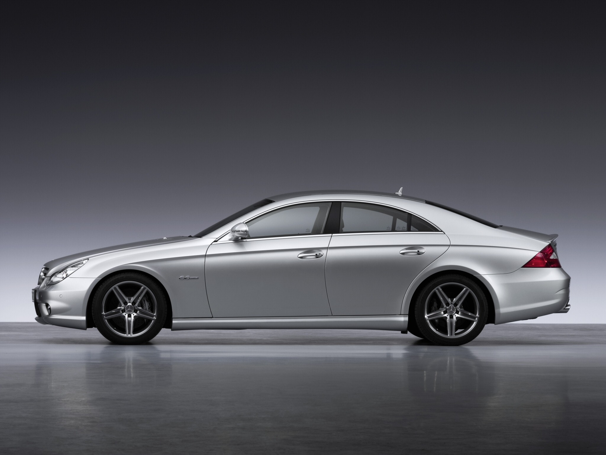 2005 Mercedes-Benz CLS Screensavers