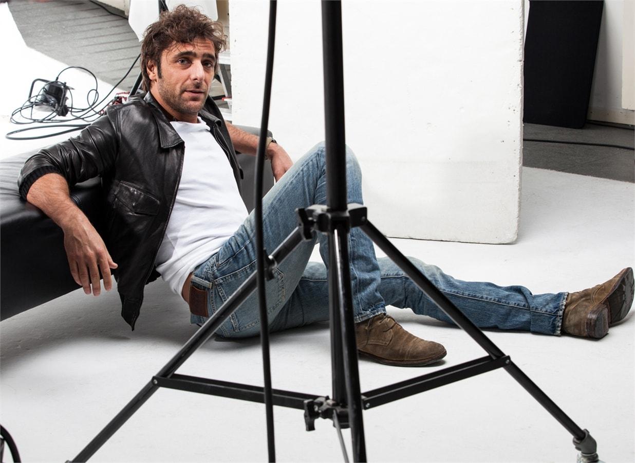 Adriano Giannini Screensavers