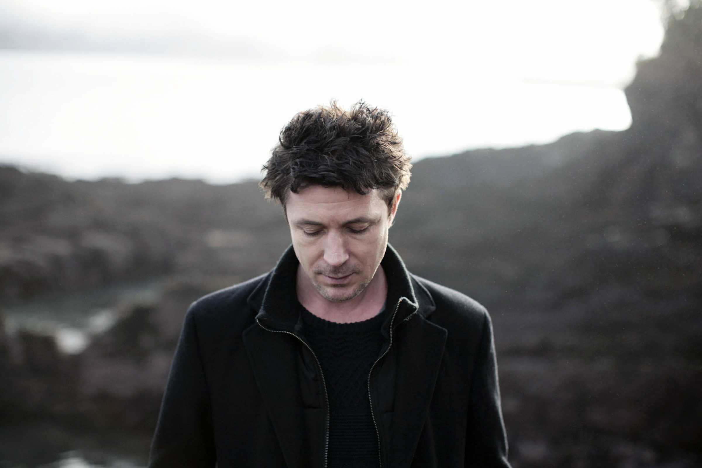 Aidan Gillen Screensavers