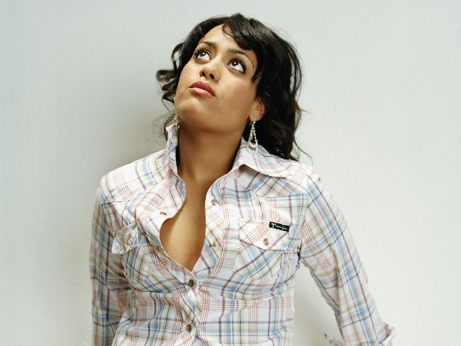 Amel Bent Desktop wallpapers