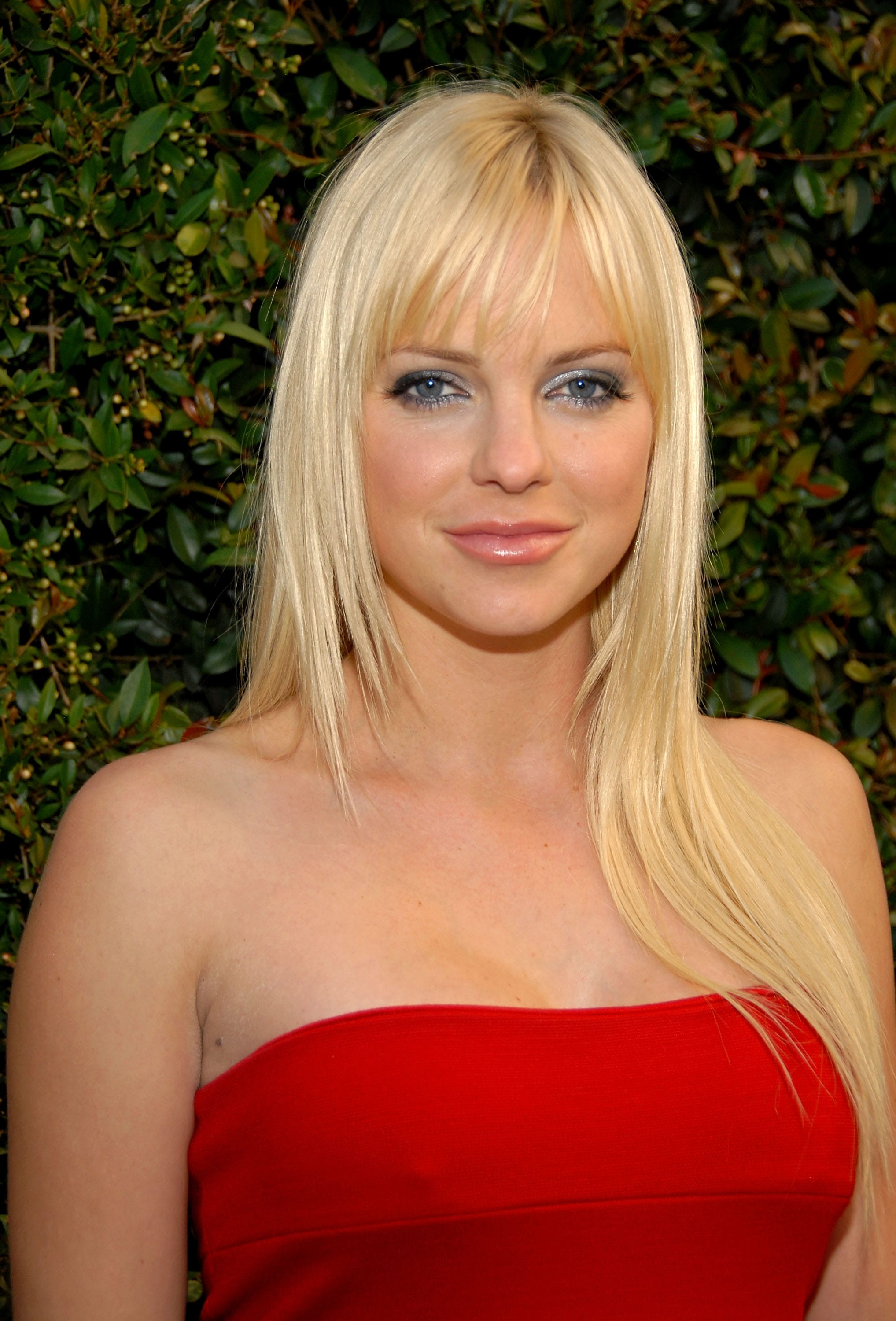 Anna Faris Desktop wallpapers