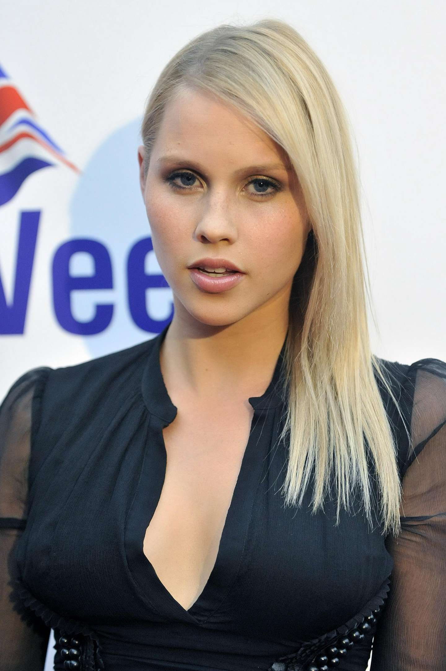Claire Holt Desktop wallpapers