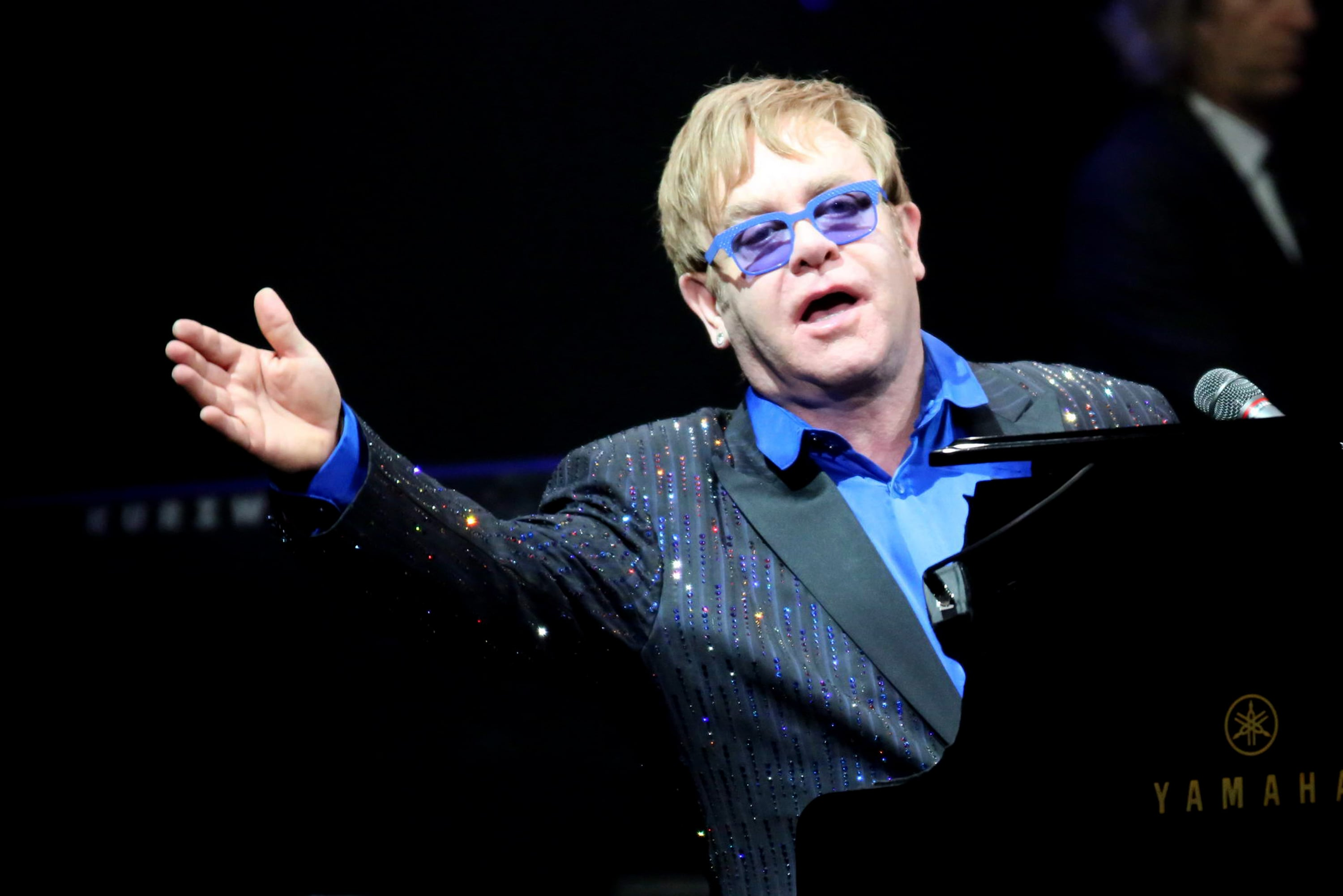 Elton John Screensavers