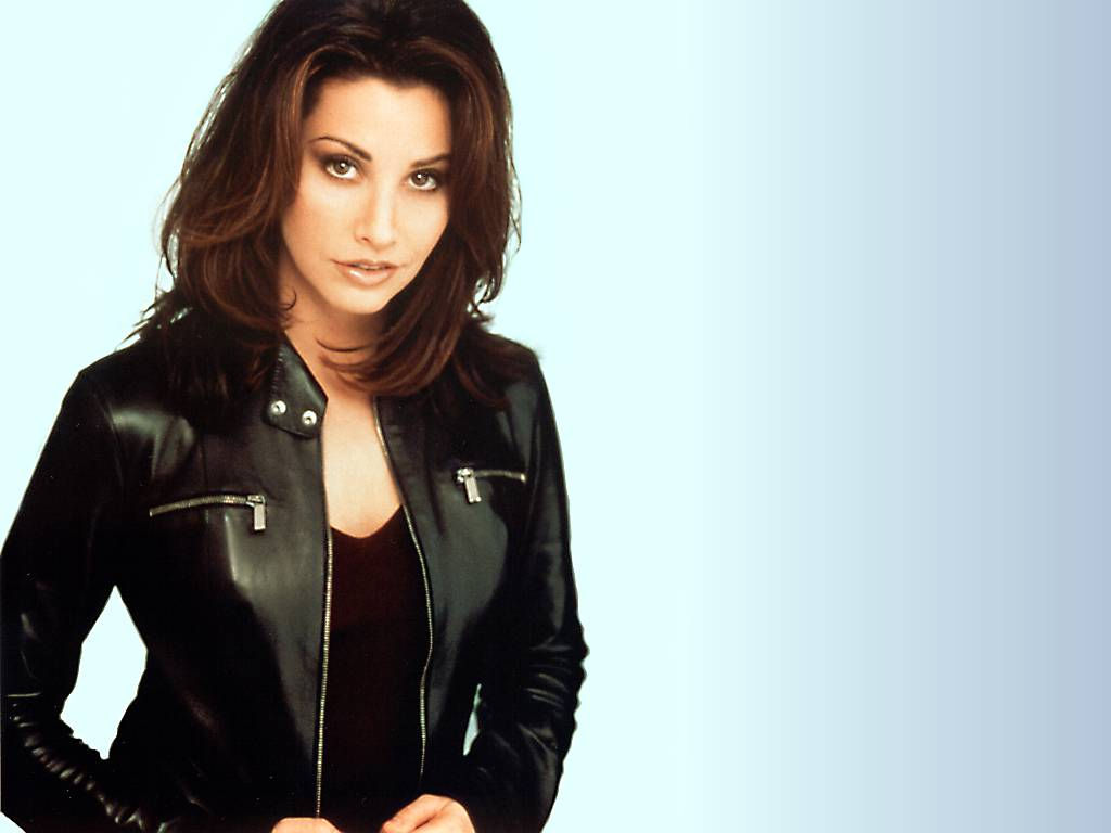 Gina Gershon Screensavers