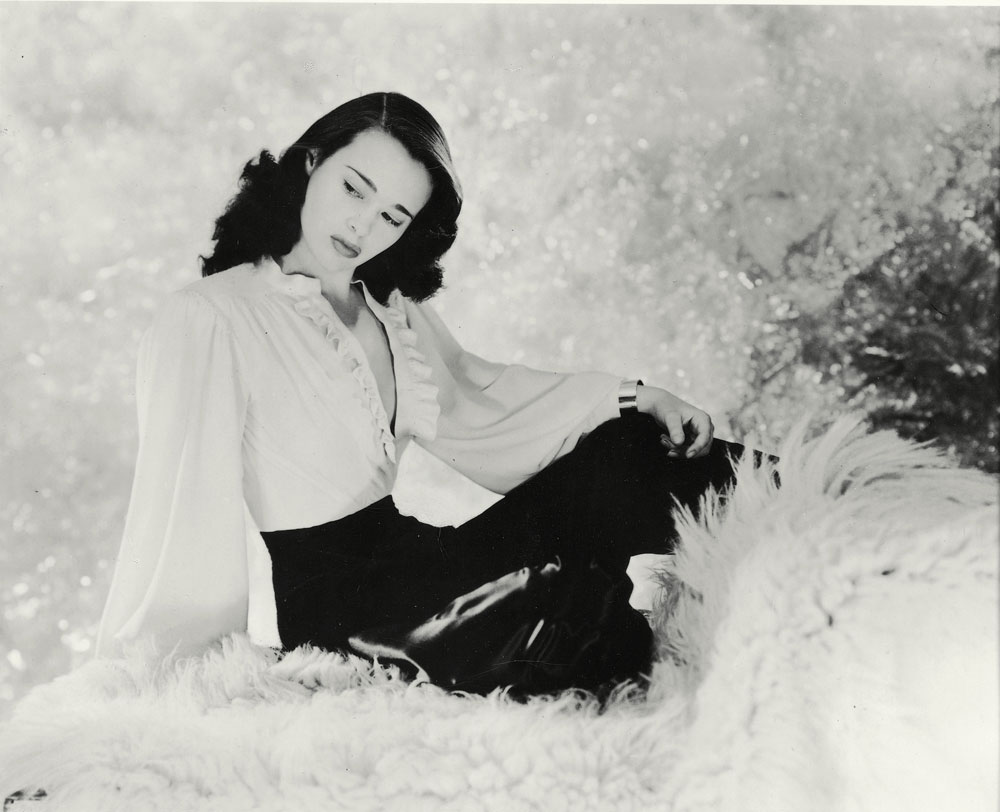 Gloria Vanderbilt Screensavers