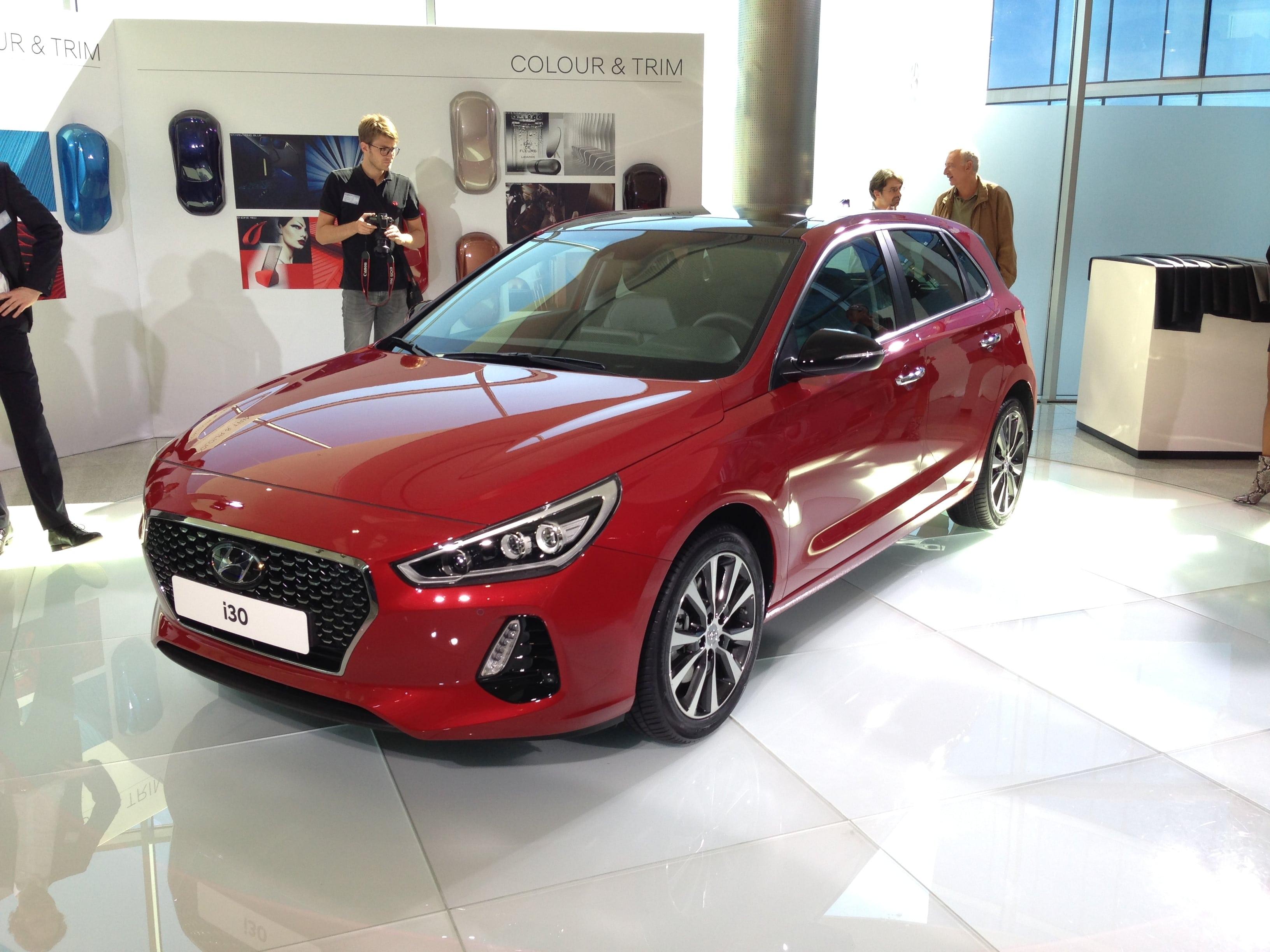 Hyundai i30 III Background