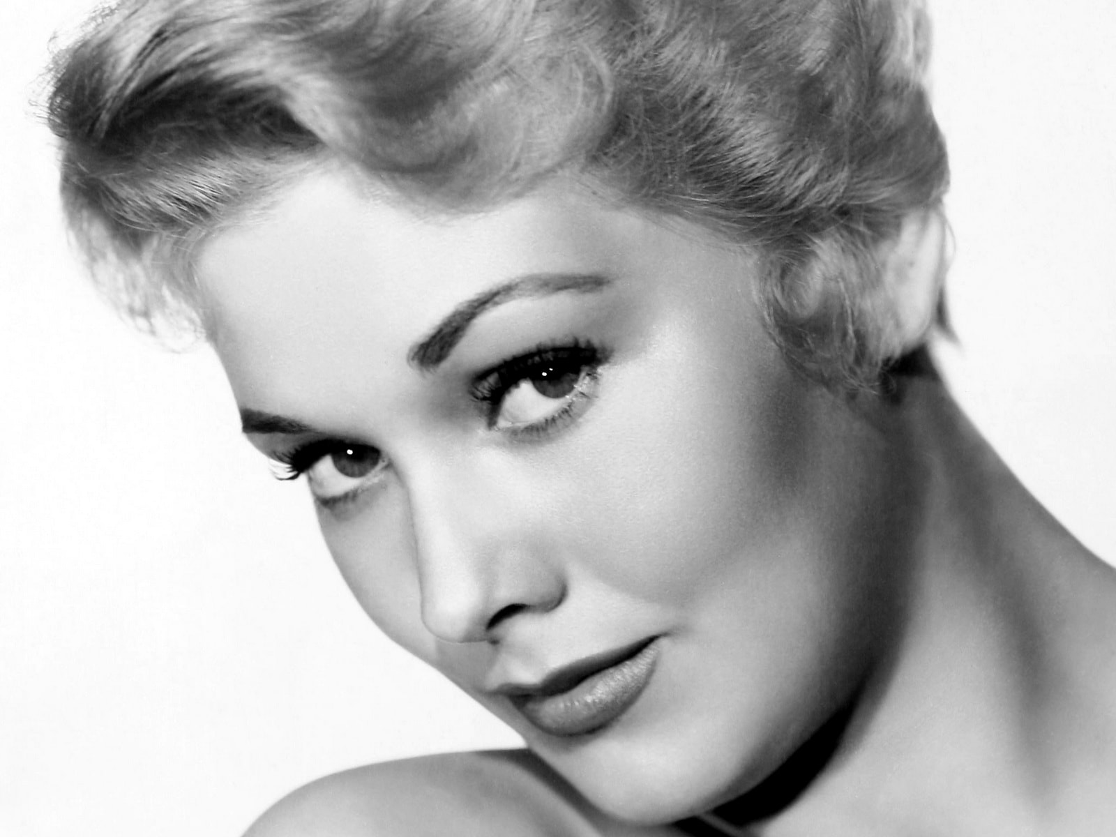 Kim Novak Desktop wallpapers