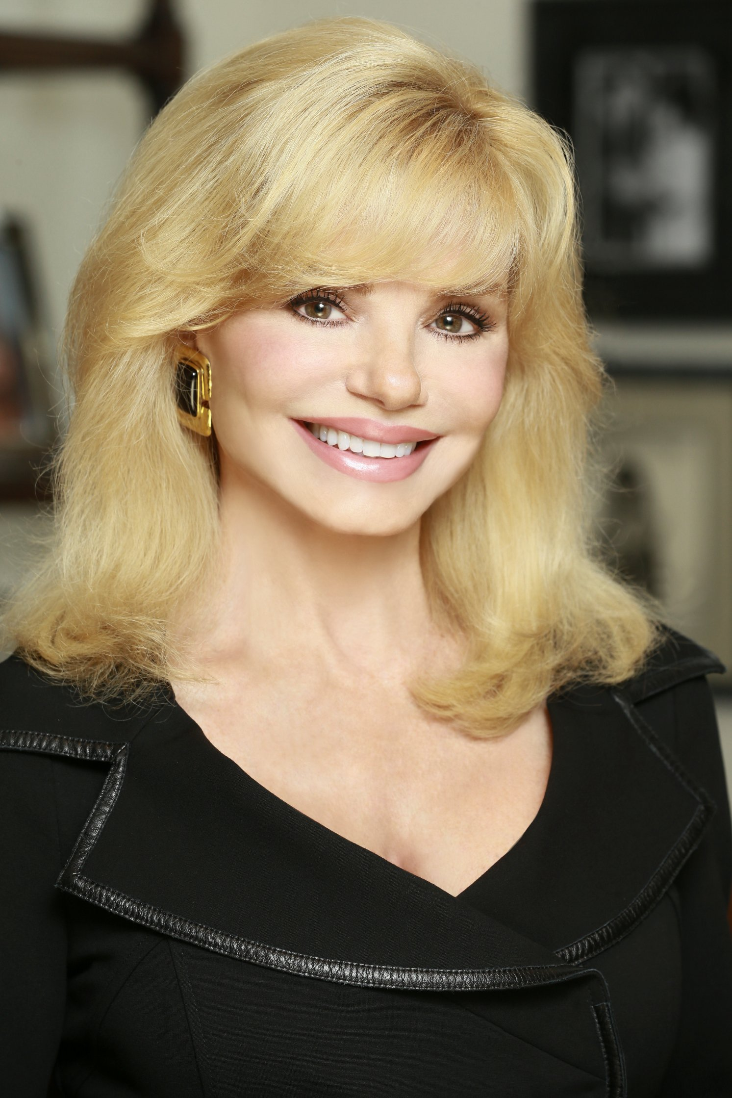 Loni Anderson Desktop wallpapers