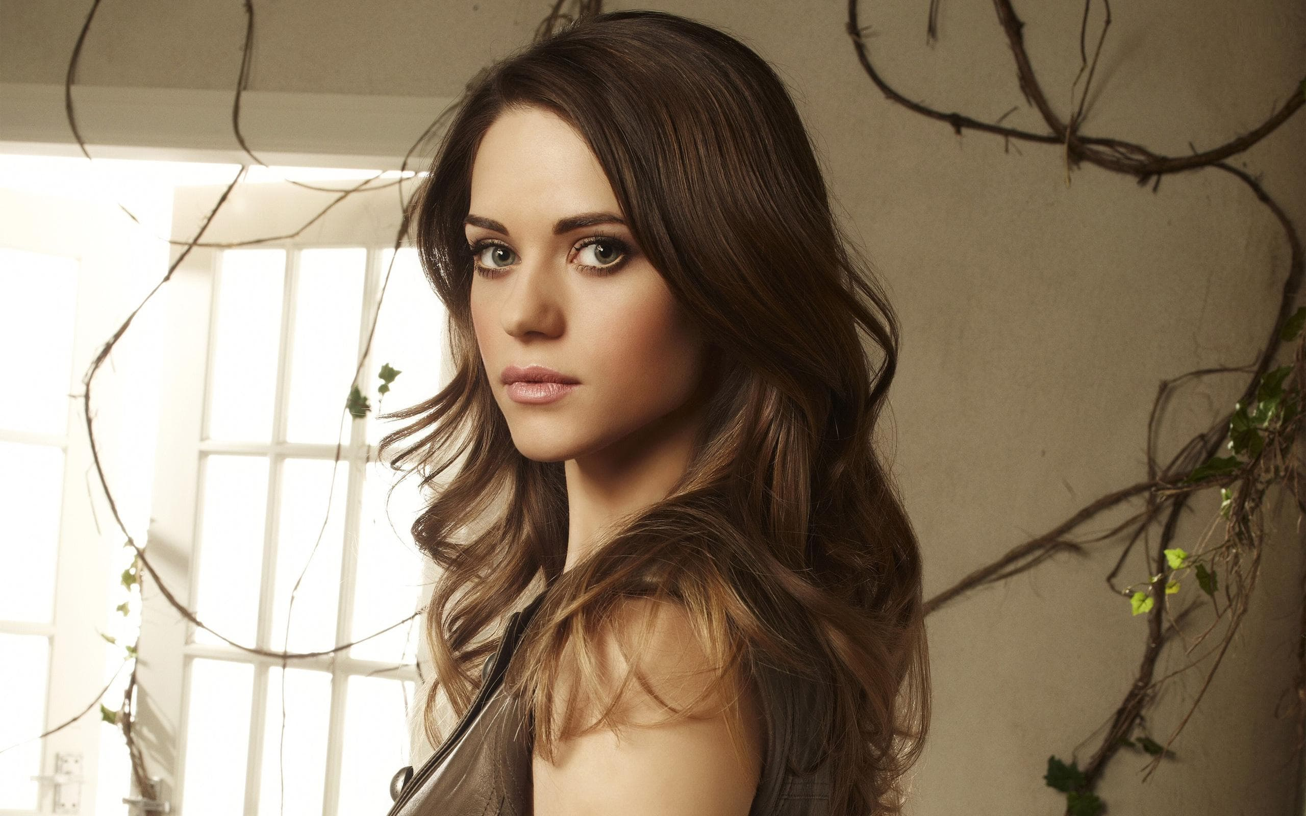 Lyndsy Fonseca Desktop wallpapers