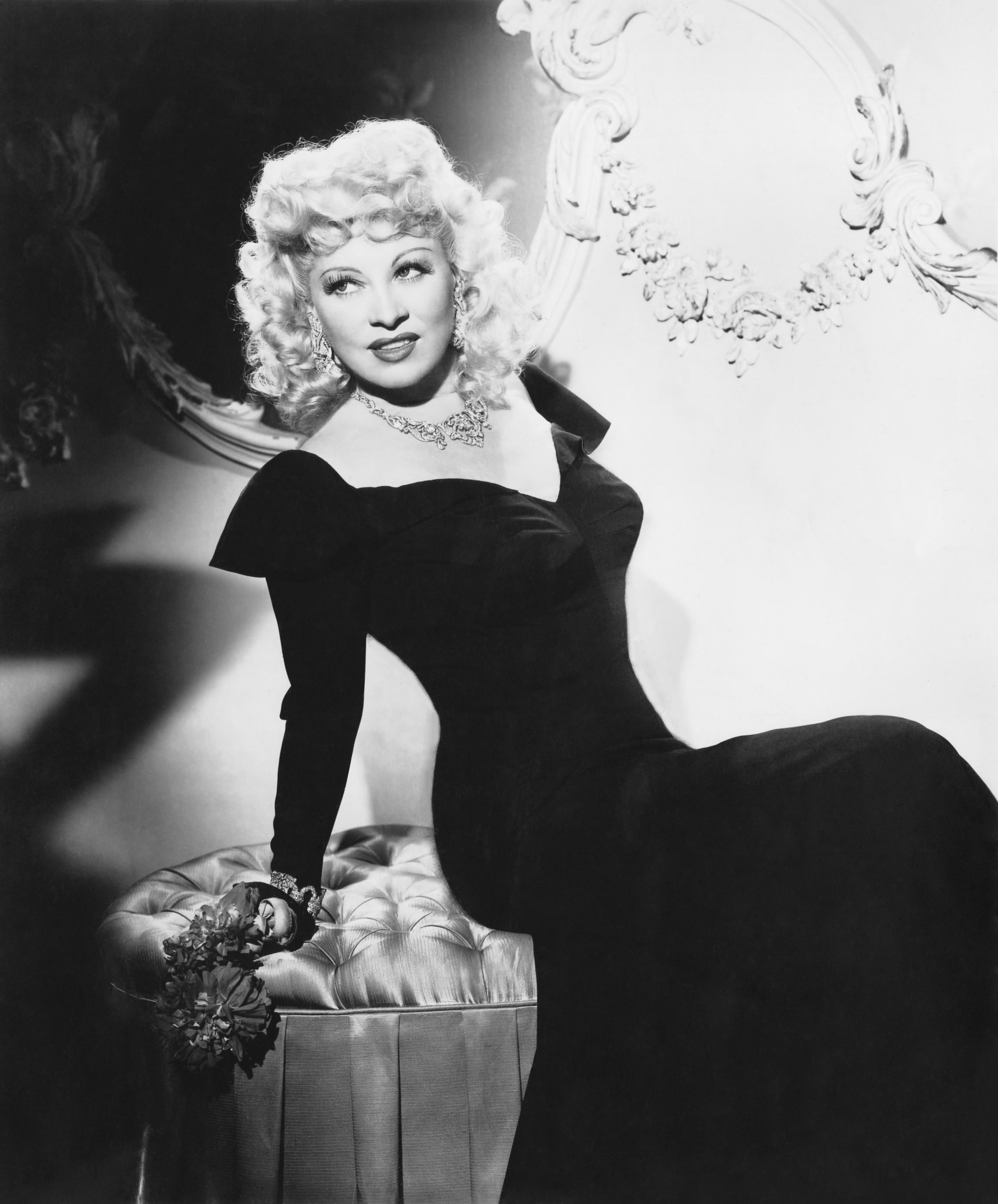 Mae West Desktop wallpapers