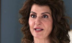Nia Vardalos Screensavers