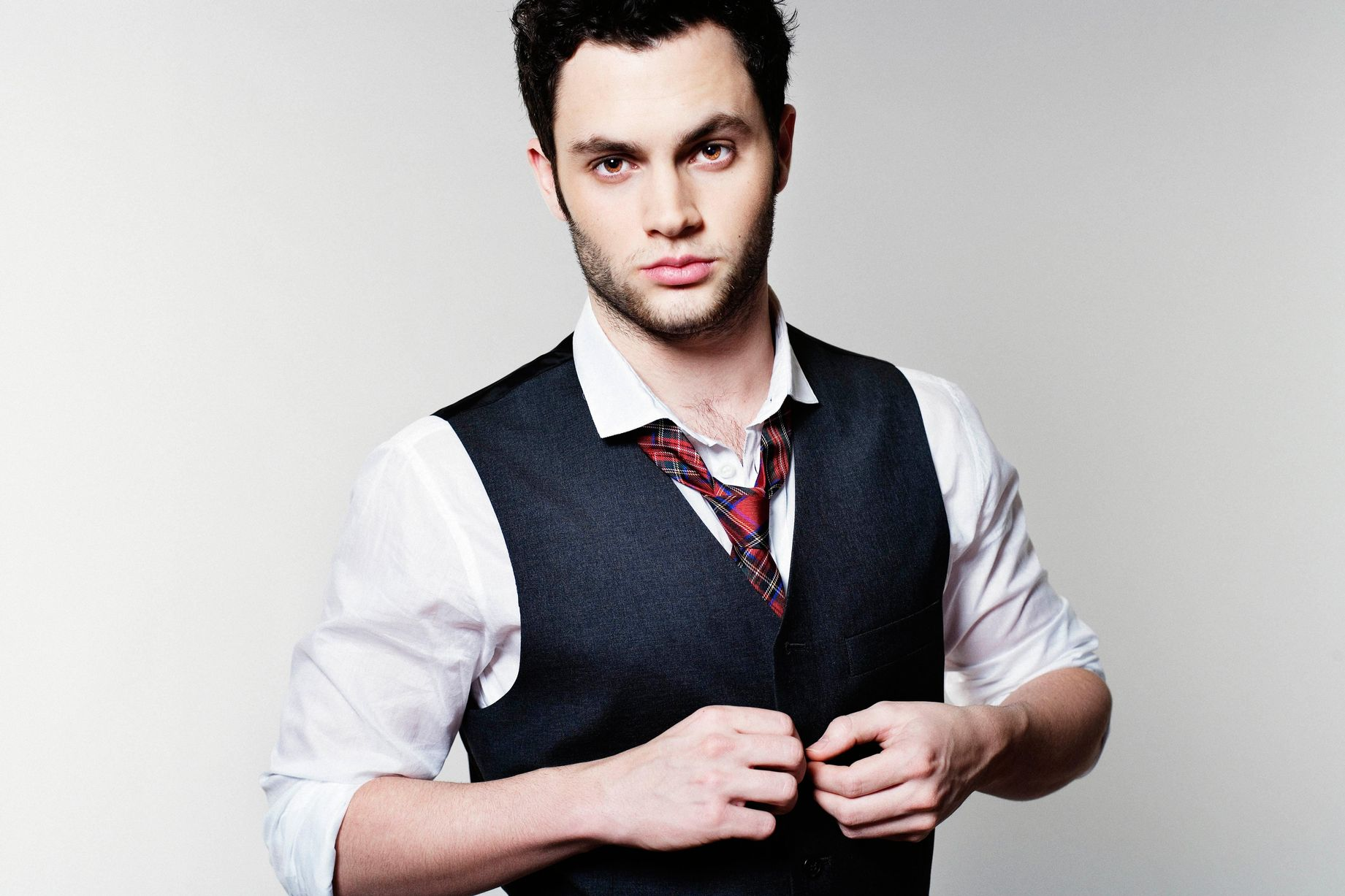 Penn Badgley Desktop wallpapers