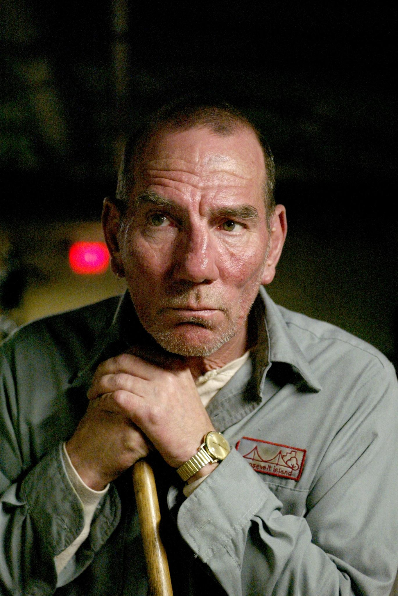 Pete Postlethwaite Desktop wallpapers