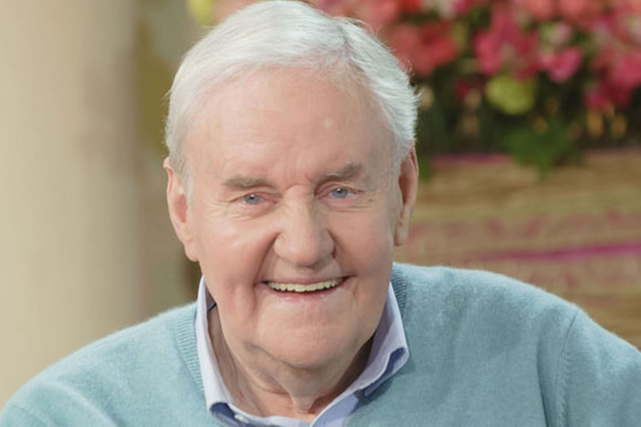 Richard Briers Screensavers