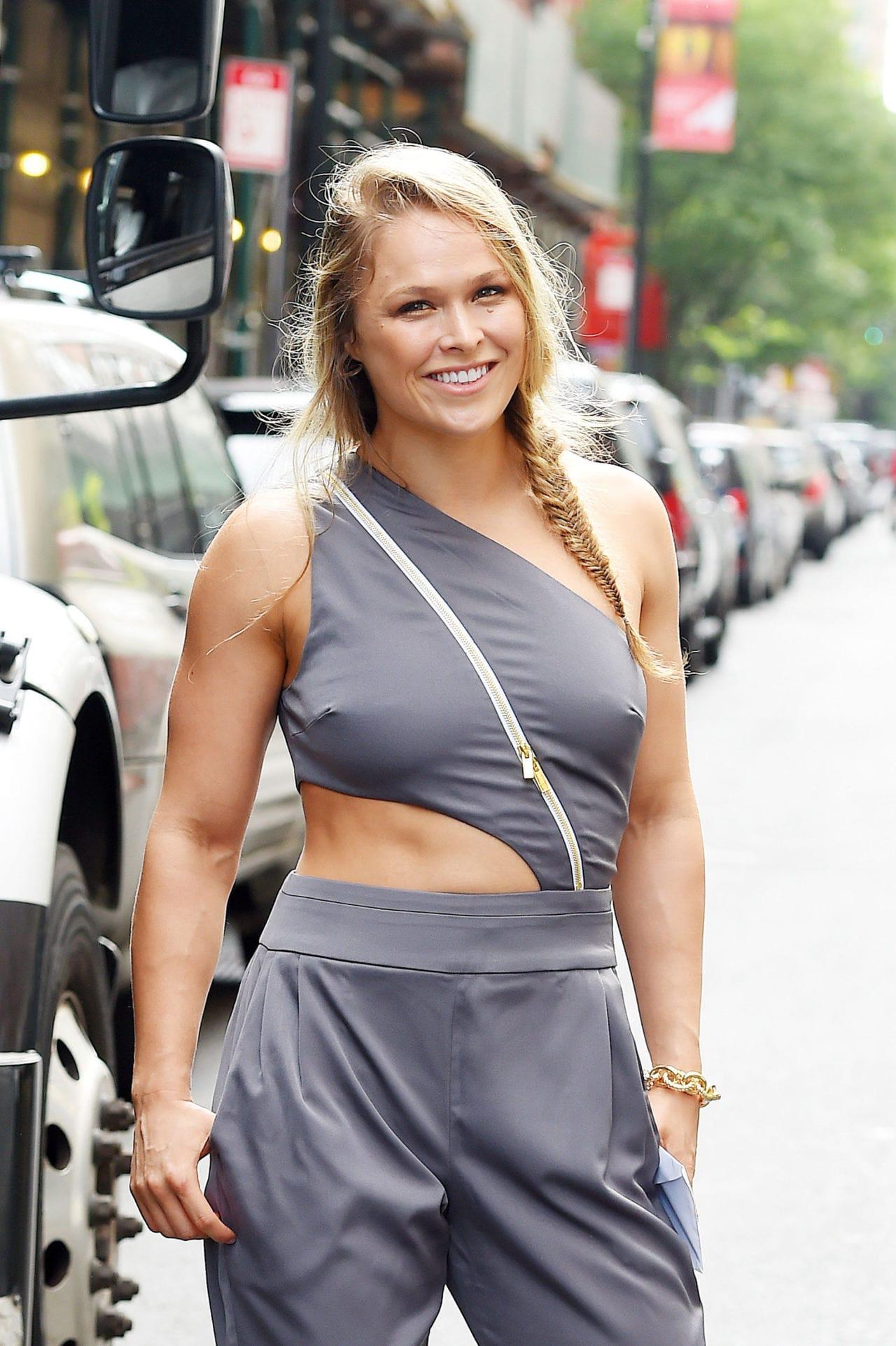 Ronda Rousey Background