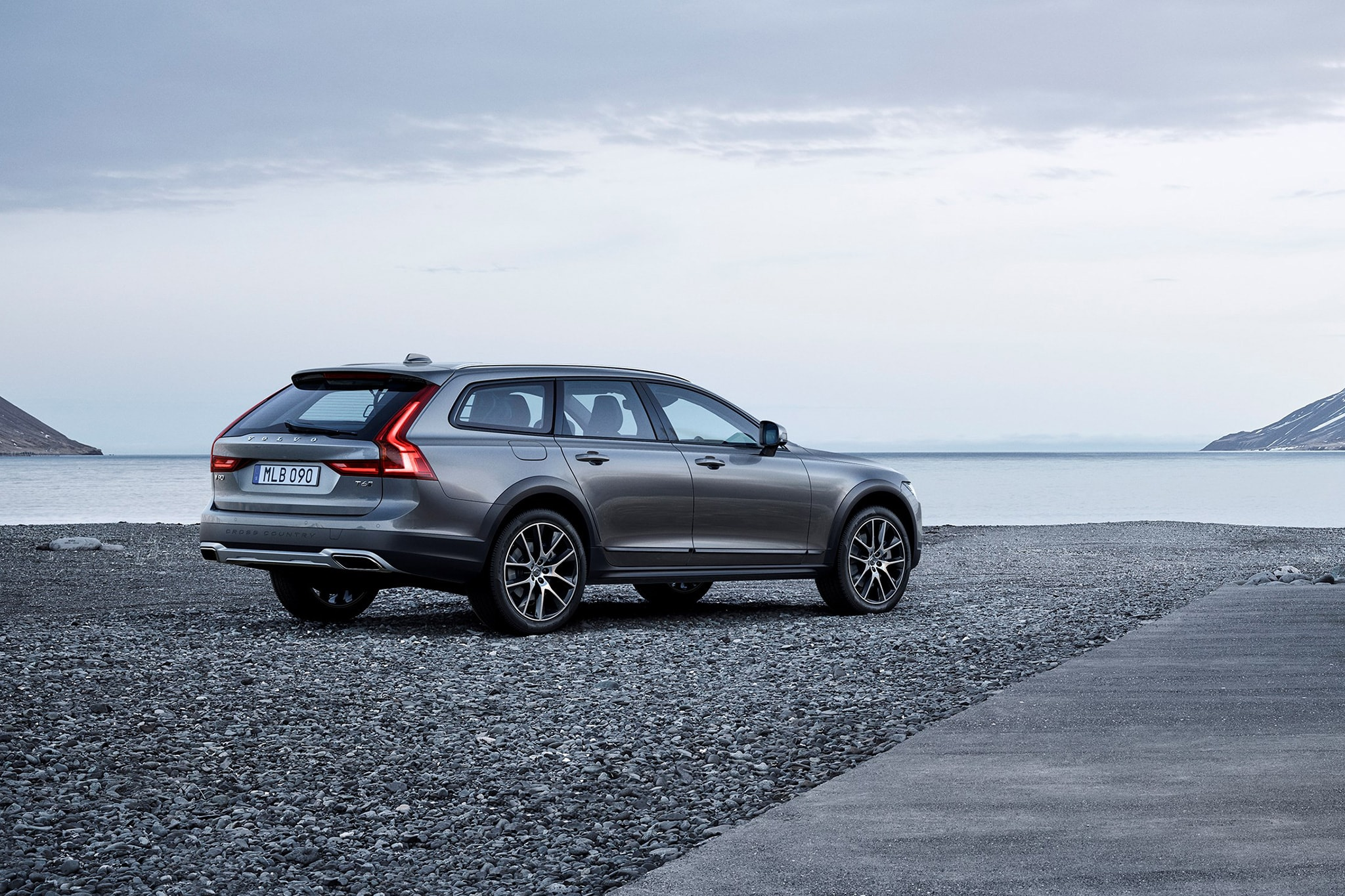 Volvo V90 Cross Country Desktop wallpapers