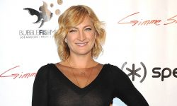 Zoe Bell Screensavers