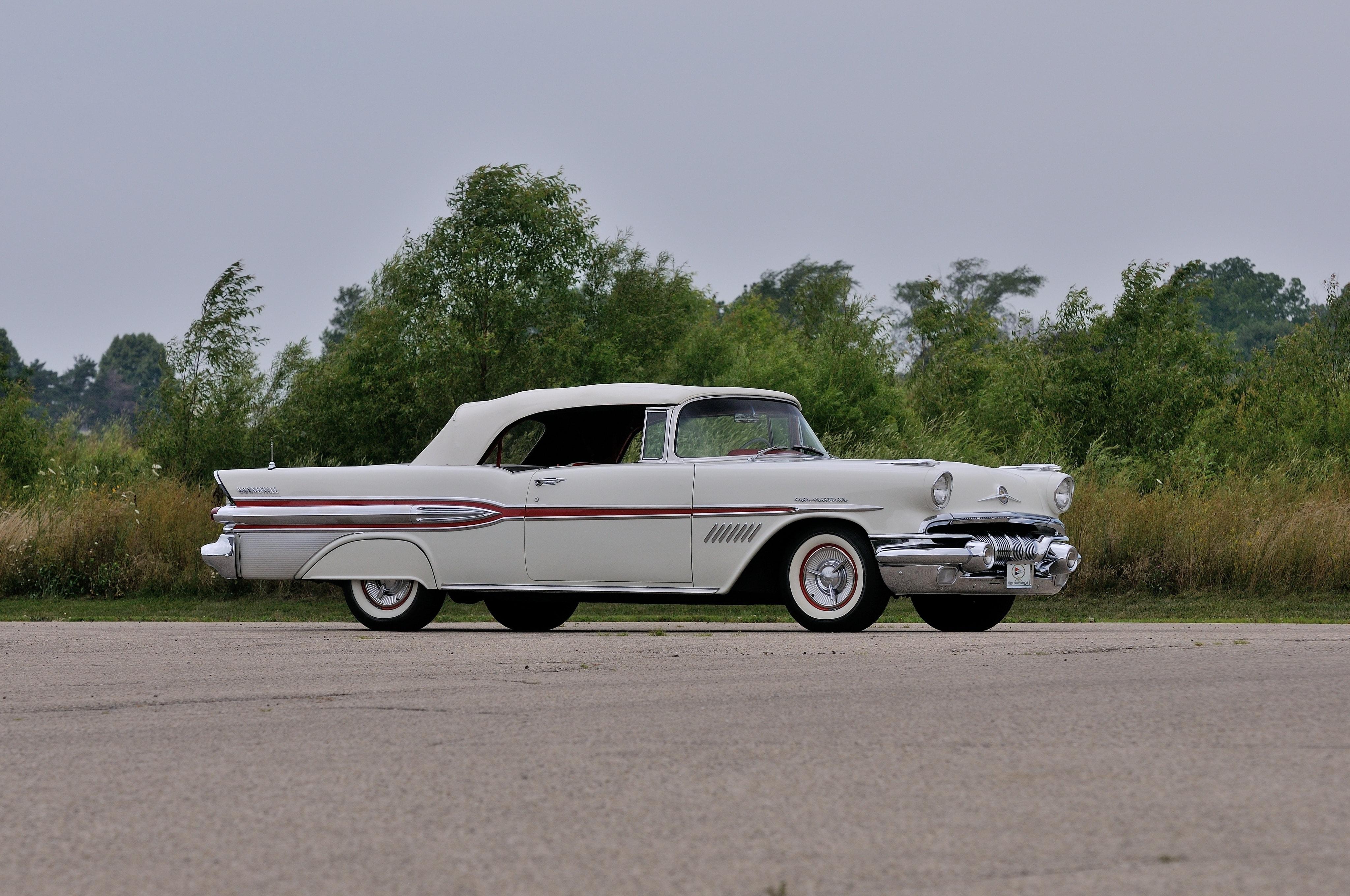 1957 Pontiac Star Chief Custom Bonneville Background