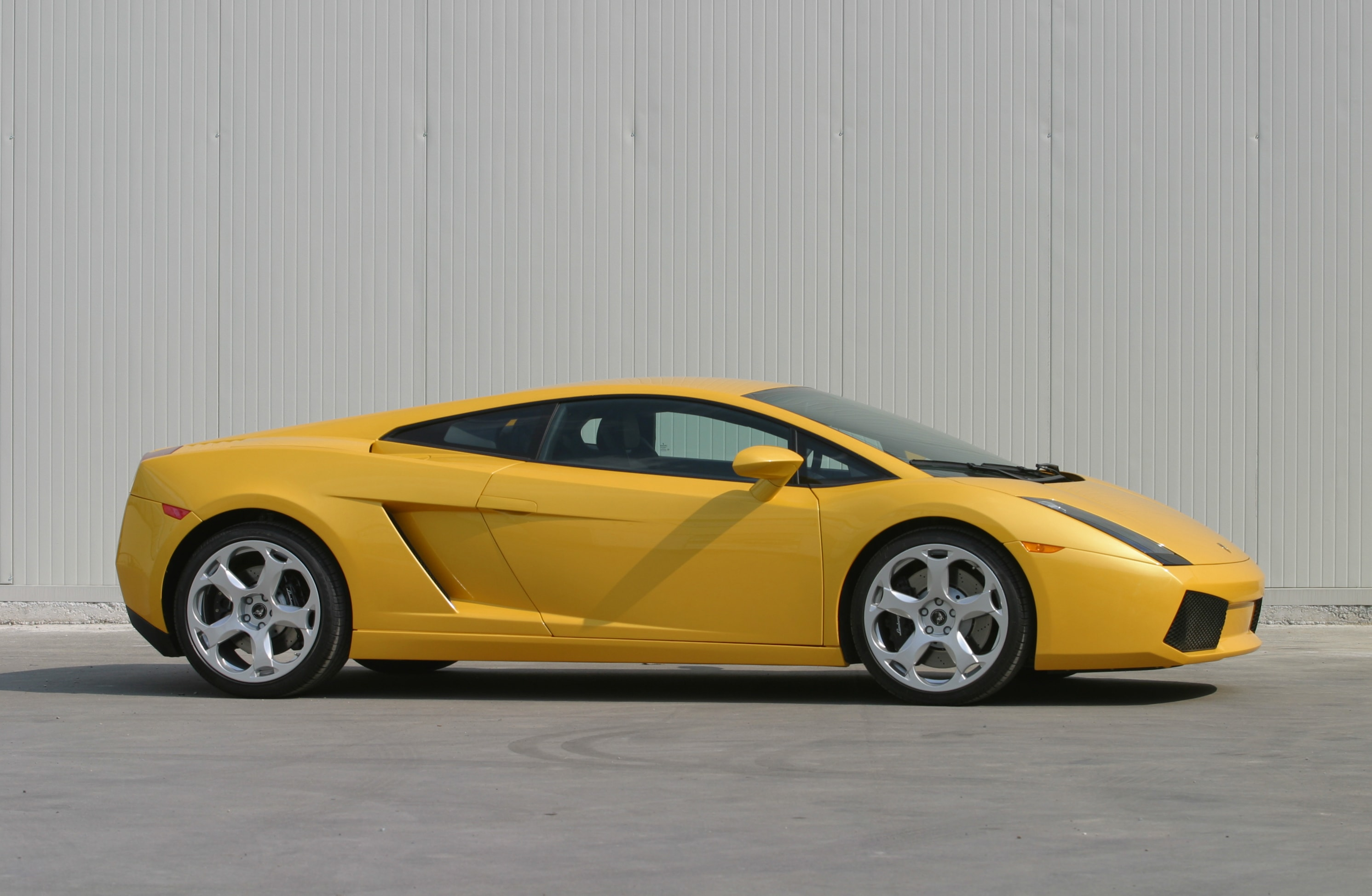 2003 Lamborghini Gallardo Background
