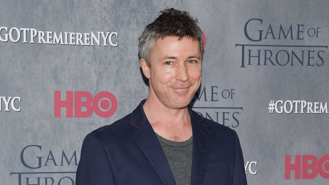 Aidan Gillen Background