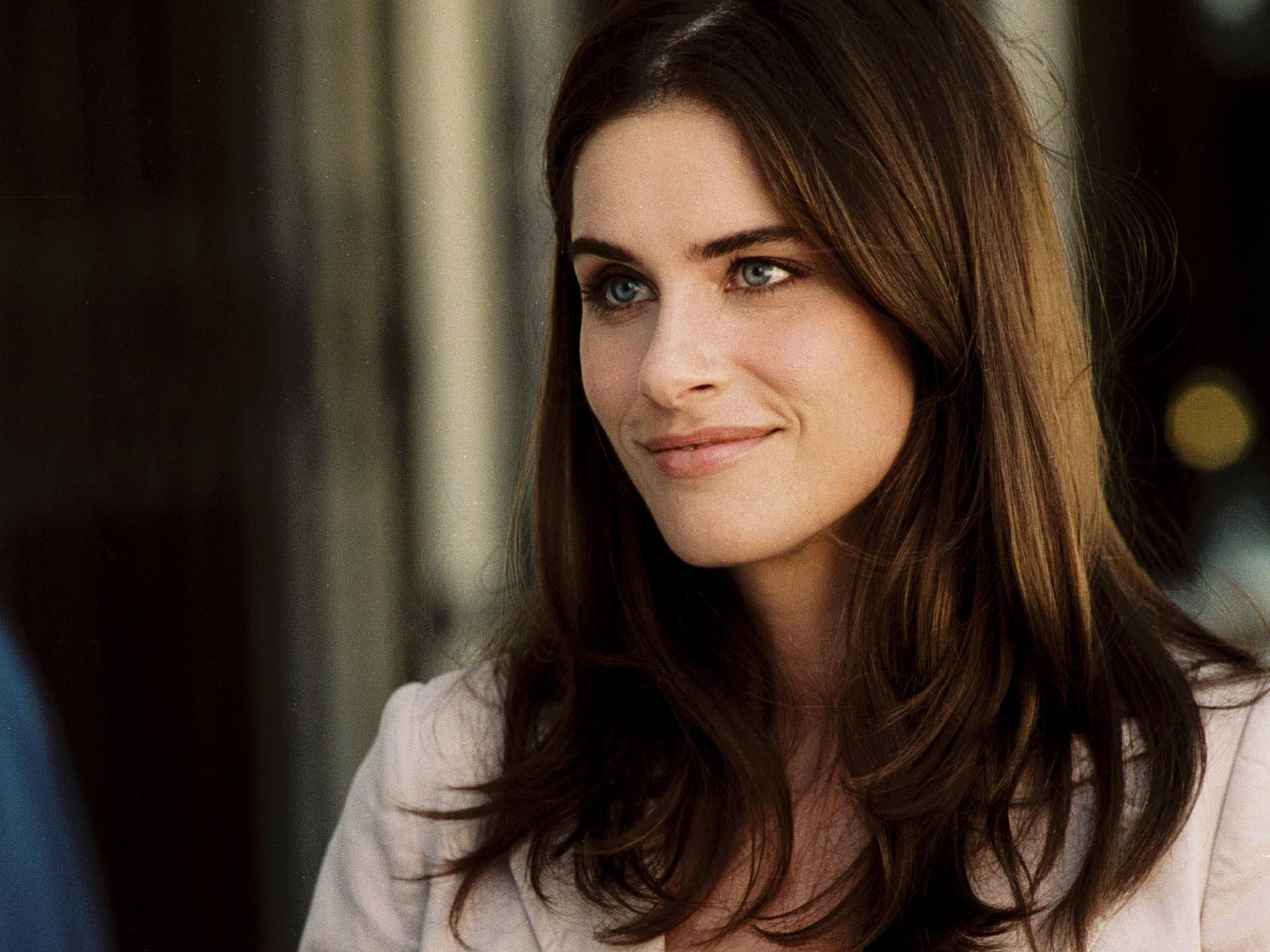 Amanda Peet Background