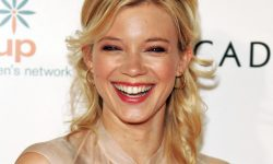 Amy Smart Background