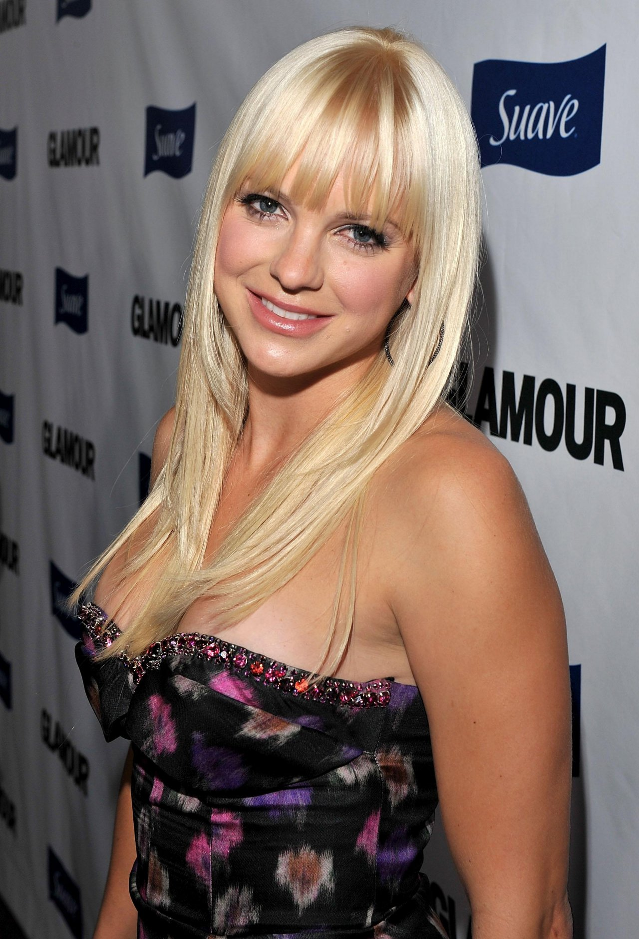Anna Faris Background