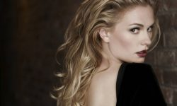 Anna Paquin Background