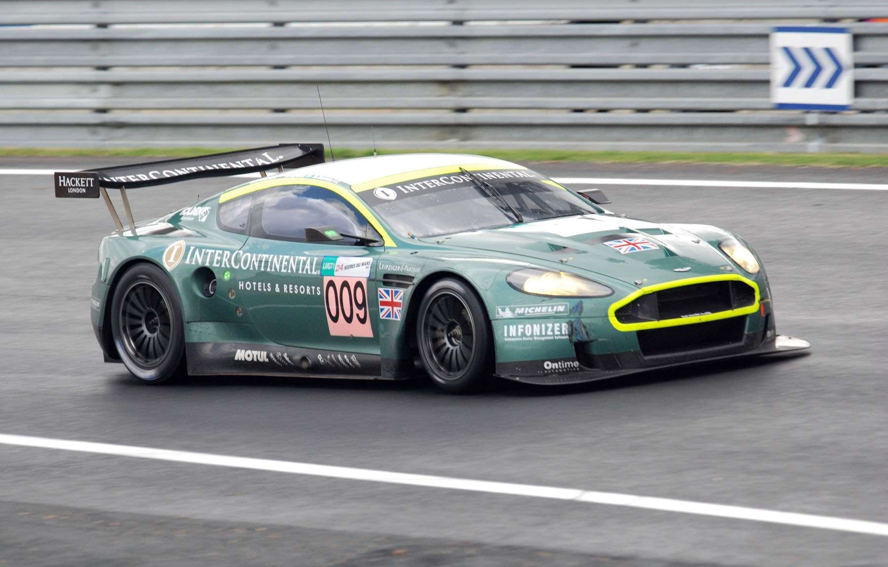 Aston Martin DBR9 Background