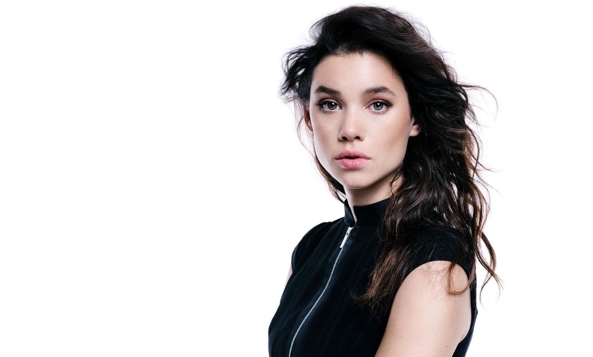 Astrid Berges-Frisbey Background