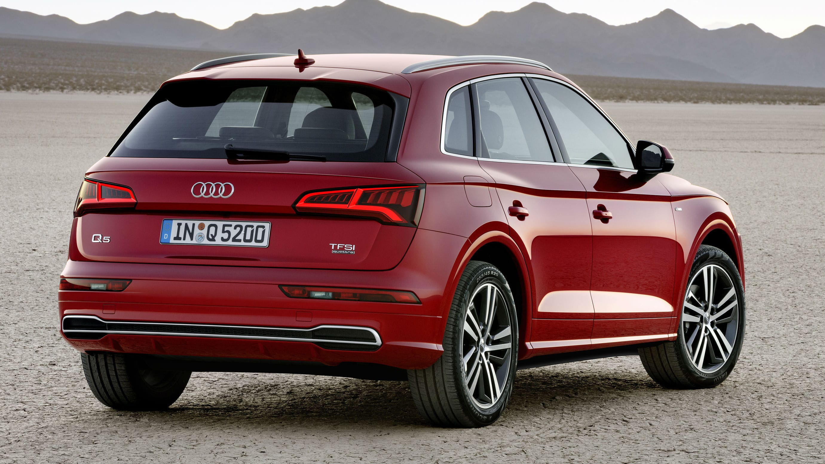 Audi Q5 II Background