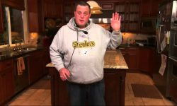 Billy Gardell Background